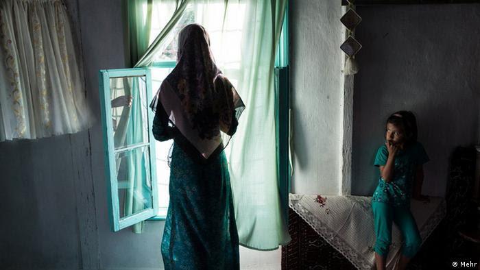 Menina vítima de casamento infantil no Irã