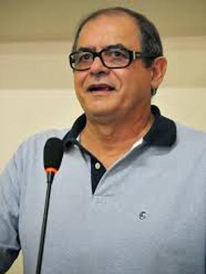 http://www.blogsoestado.com/zecasoares/files/2013/11/humbertocoutinho.jpg