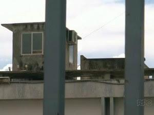 Cadeia de Umuarama tem capacidade para 73 presos, e abriga atualmente 306 detentos (Foto: Reprodução/RPC)