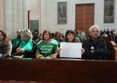 Los afectados se encerraron en la catedral de la Almudena de Madrid el pasado 20 de abril. Foto cedida a Público.
