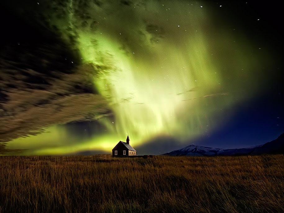 http://www.demilked.com/magazine/wp-content/uploads/2014/06/nordic-landscape-nature-photography-iceland-11.jpg