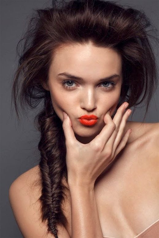 Le Fashion Blog -- 30 Inspiring Fishtail Braids -- Bright Lipstick Side Braid Hair Style -- Via Jamie Nelson -- photo 6-Le-Fashion-Blog-30-Inspiring-Fishtail-Braids-Bright-Lipstick-Side-Braid-Hair-Style-Via-Jamie-Nelson.jpg