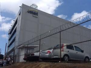 Allanan oficinas del CONAVI por fraude en trámites con proyectos de conservación vial. CRH