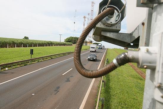 Radar inteligente instalado no km 371 da rodovia anhanguera próximo a Orlândia
