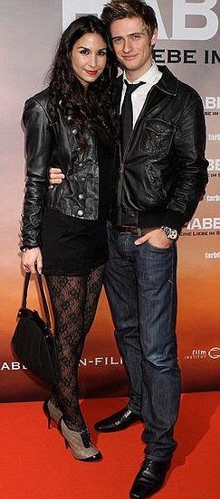 Popular: Sila Sahin on the red carpet with Joern Schloenvoigt