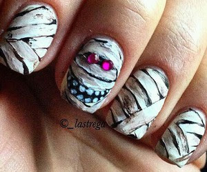 Nails| via tumblr