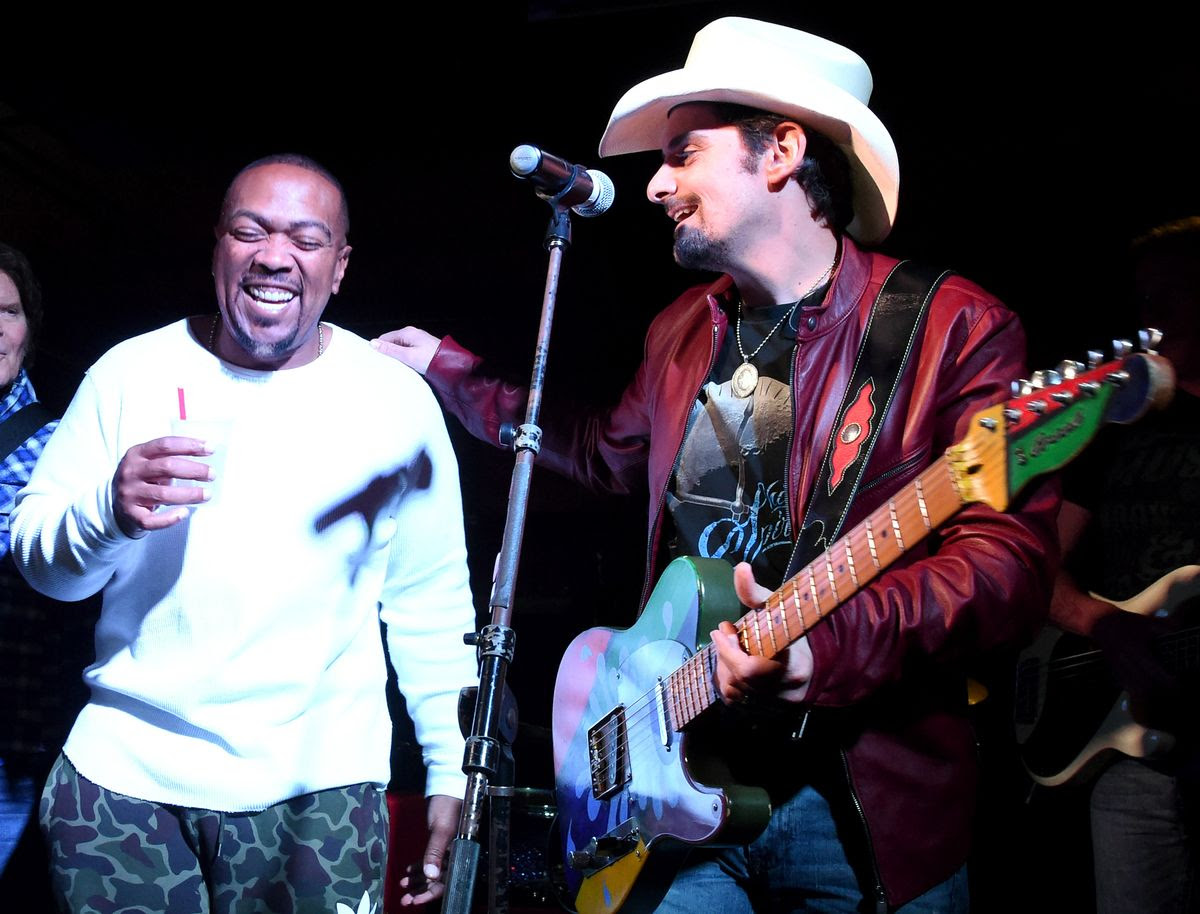 NASHVILLE, TN - APRIL 23: Timbaland and Brad Paisley perform onstage at Tootsie's Orchid Lounge after the Brad Paisley LOVE AND WAR Album Launch Event on April 23, 2017 in Nashville, Tennessee.  (Photo by Rick Diamond/Getty Images for Sony Music)