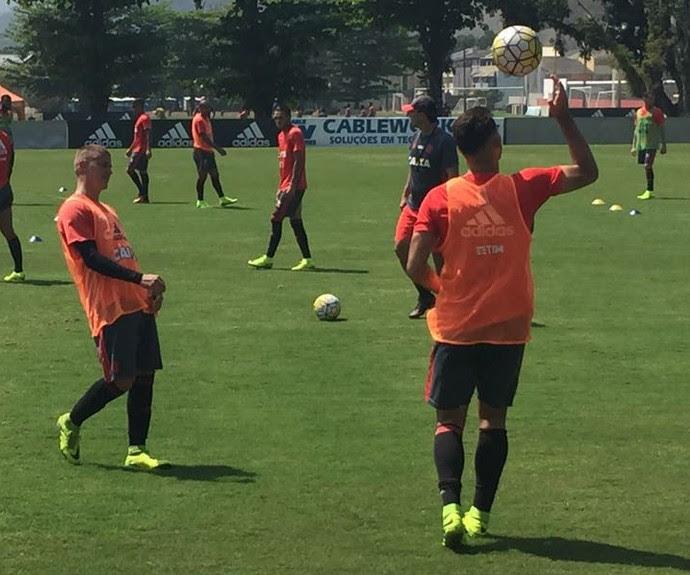 Matheus Sávio é mais uma promessa do Flamengo (Foto: Raphael Zarko)