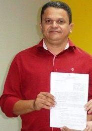 Prefeito de Pio XXII Paulo Roberto Sousa Veloso de e retornar ao cargo