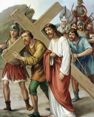 Ottava Stazione è aiutato dal cireneo a portare la croce