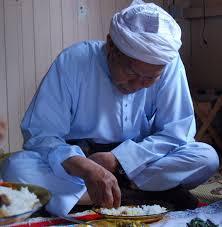 http://tuangurunikabdulaziz.blogspot.com/2008/07/biografi-tuan-guru-dato-haji-nik-abdul.html