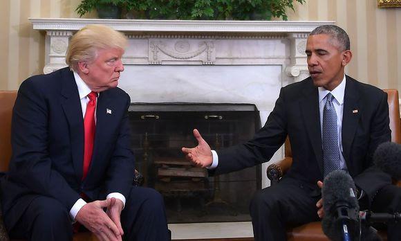 """""""Donald Trump lauscht Noch-Präsident Obama"""""""