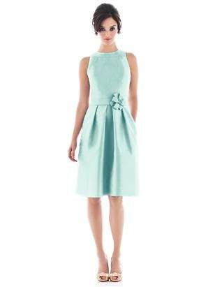 Alfred Sung Style D476 http://www.dessy.com/dresses/bridesmaid/d476/