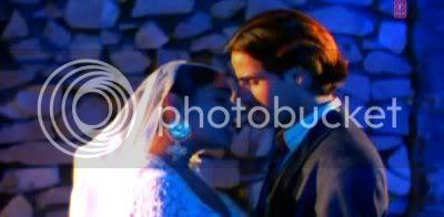 http://i347.photobucket.com/albums/p464/blogspot_images1/Aashiqui/PDVD_039.jpg