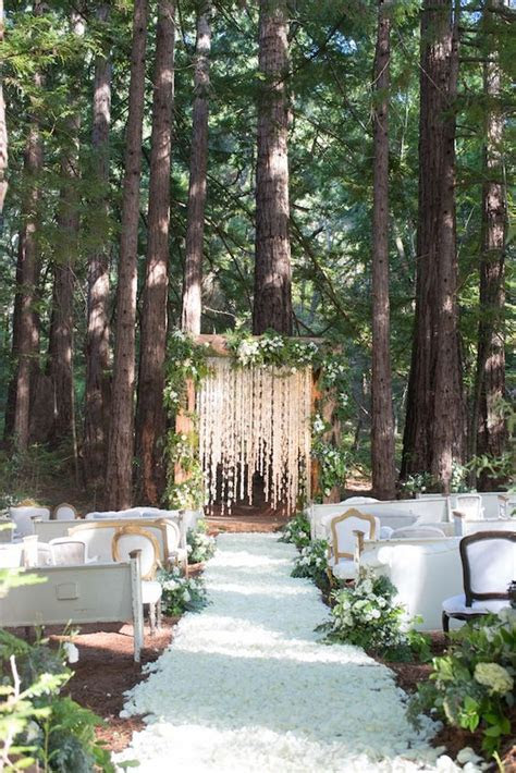 Genius Ideas for an Outdoor Wedding Ceremony Backdrop