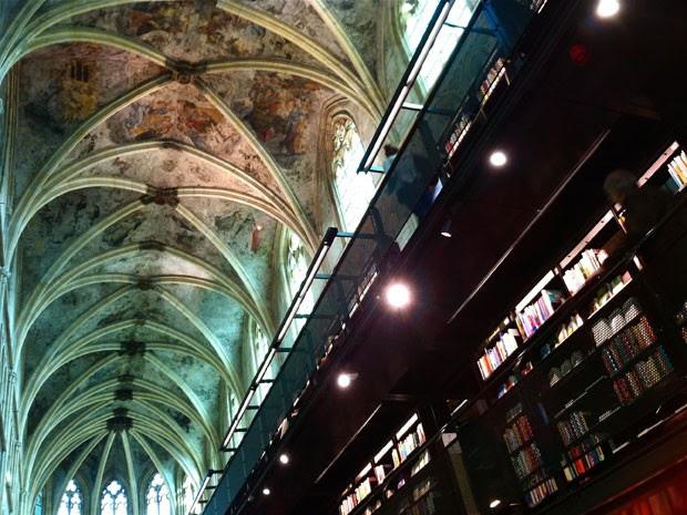 A livraria Polare Maastricht, que funciona em uma igreja de mais de 700 anos de idade (Foto: Flávia Mantovani/G1)