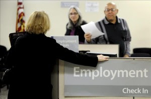 El índice de desempleo en EE.UU. descendió en abril hasta 7,5 por ciento, más bajo en 4 años. EFE