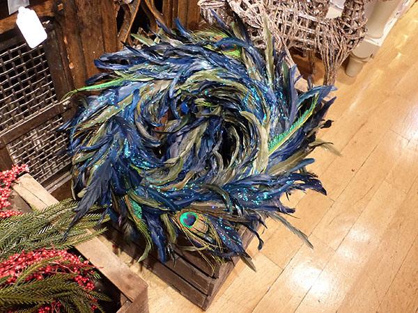 couronne en plumes de paon