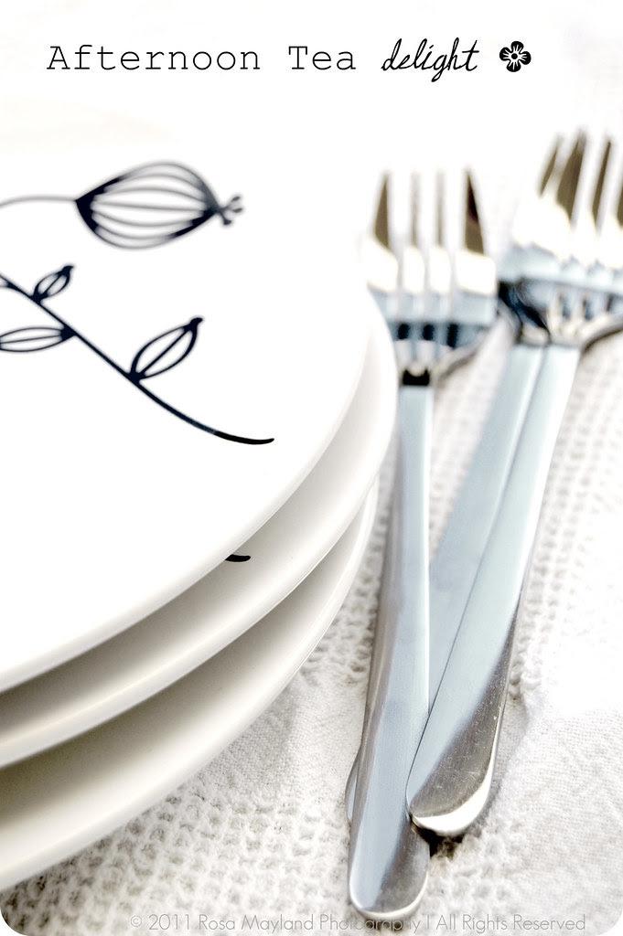 Galette Du Pont Plates And Forks 1 2 lighter Bis