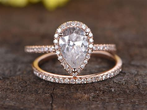 1.5 Carat Pear Shaped Moissanite Engagement Ring Set