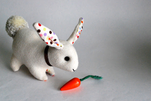 white bunny with carrot2