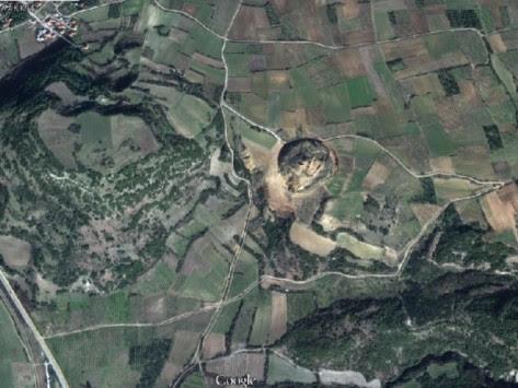 Διαστημική Αμφίπολη! Εκπληκτικές δορυφορικές φωτογραφίες από τις ανασκαφές του αρχαίου τάφου
