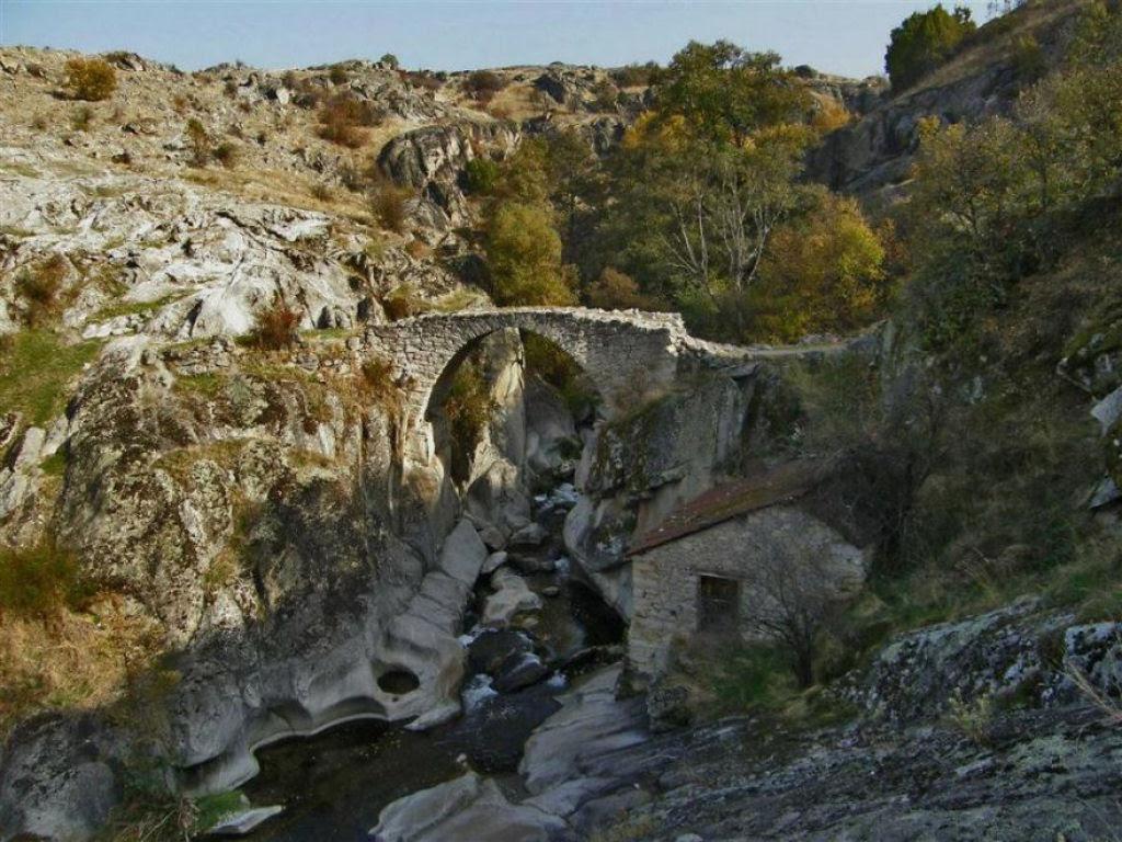 30 pontes místicas que podem nos levar a um outro mundo 30