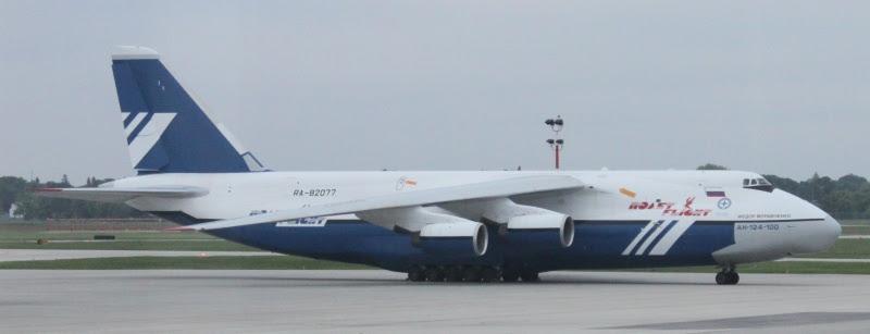 Antonova AN-124-100 in Winnipeg