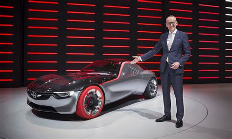 opel boss joins  electric car startup evelozcity