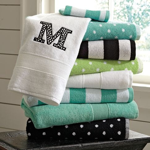 OMG, This fits in so many boards, black and white. polka dot, home, and my initial M!!!!  LOVE LOVE LOVE!!!!!  Just tie a ribbon around them and I'm in heaven.
