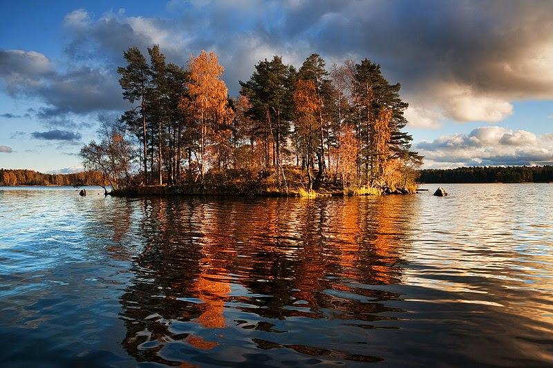 File:Lake Vuoksa 1.jpg
