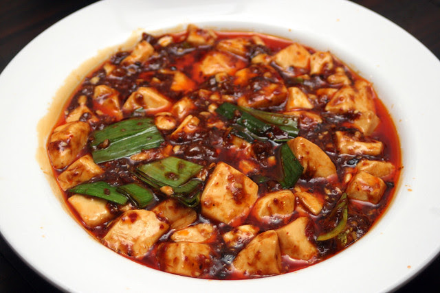 麻婆豆腐 Beancurd in Spicy Minced Meat Sauce