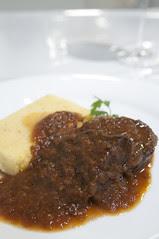 牛ほほ肉のピエモンテ風ワイン煮込み ポレンタ添え, La Fermata, 新宿伊勢丹 イタリア展