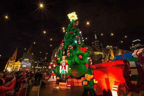 11-most-spectacular-christmas-trees-in-the-world-artnaz-com-2