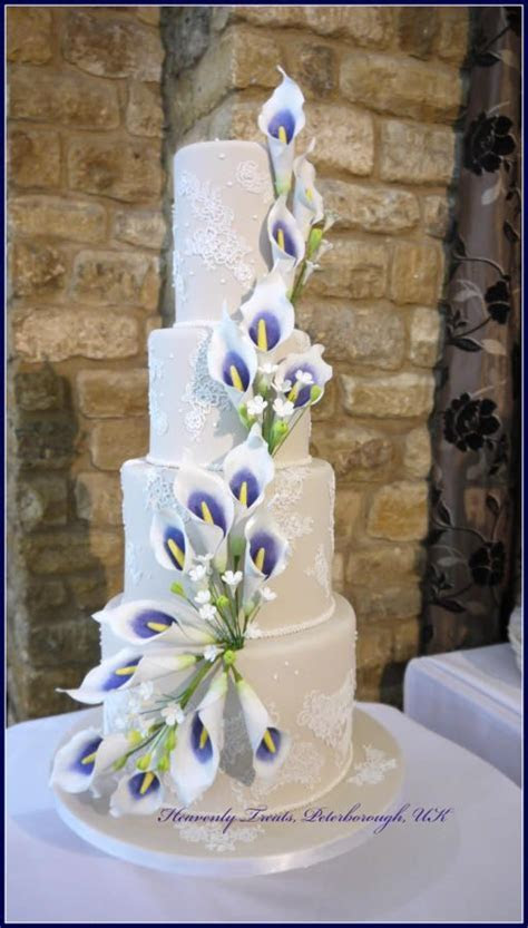 Best 25  Calla lily cake ideas on Pinterest