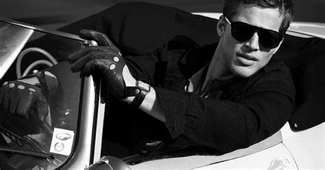 Classic Style In Men?s Leather Gloves