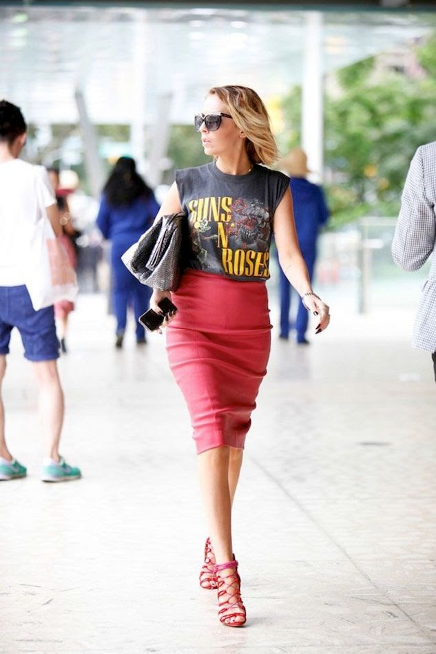 4 Le Fashion Blog 13 Ways To Style A Vintage Tee Guns N Roses Red Leather Skirt Street Style Everything Girl photo 4-Le-Fashion-Blog-13-Ways-To-Style-A-Vintage-Tee-Guns-N-Roses-Red-Leather-Skirt-Street-Style-Everything-Girl.jpg