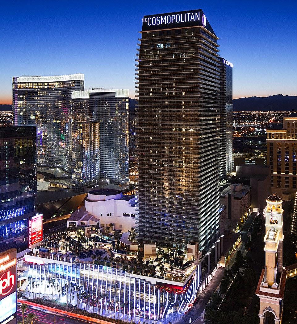 Khaleda Rahman, da MailOnline, registrou o Cosmopolitan de Las Vegas, localizado no coração de Las Vegas Boulevard