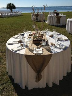 1000  ideas about Burlap Table Runners on Pinterest