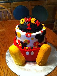 Sarah Jones Cakes!: Micky Mouse Cake and Minnie Mouse Cake