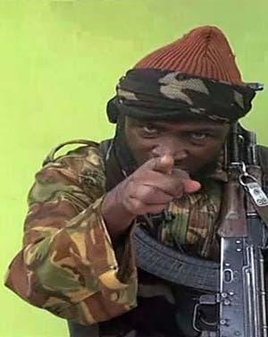 Imagem tirada de vídeo divulgado pelo Boko Haram e obtido pela AFP mostra homem que se diz ser Abubakar Shekau, líder do grupo radical islâmico Boko Haram (Foto: AFP PHOTO / BOKO HARAM)