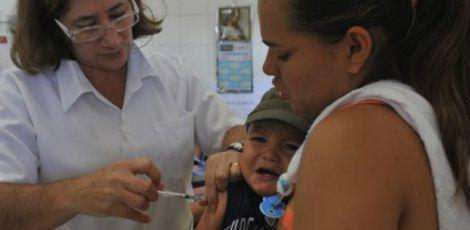 Idosos, crianças de 6 meses a menores de 5 anos, gestantes e puérperas estão no grupo prioritário / Foto: Arquivo/ Agência Brasil