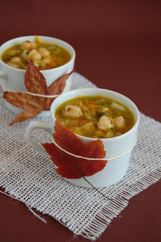 Leek and chickpea soup / Sopa de alho-poró e grão-de-bico