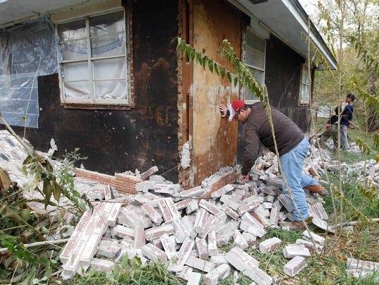 AP OKLAHOMA EARTHQUAKE RESEARCH A FILE USA OK