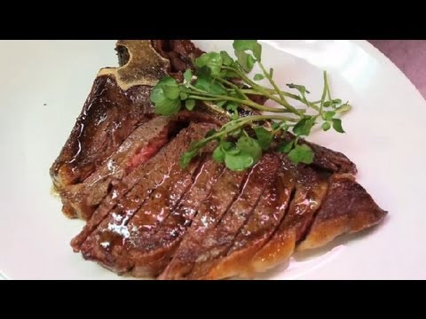 How to Cook a Tender & Juicy T-Bone Steak in the Oven : Meat Dishes - YouTube