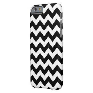 Horizontal Black and Transparent Zigzag iPhone 6 Case