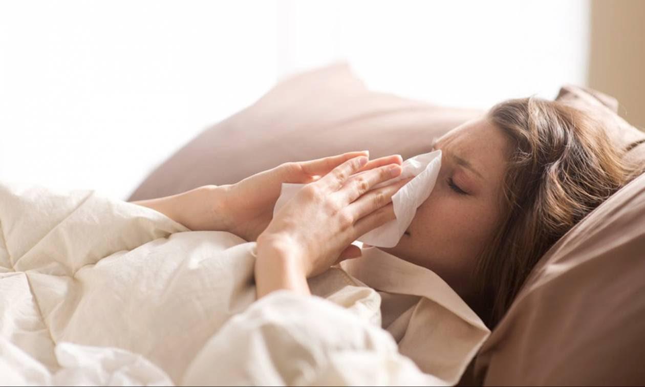 Μπούκωμα στην μύτη: Συμβουλές για να κοιμηθείτε πιο άνετα