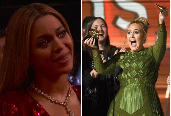 Beyoncé emocionada e Adele com o troféu do Grammy quebrado (Foto: Reprodução/Getty Images)