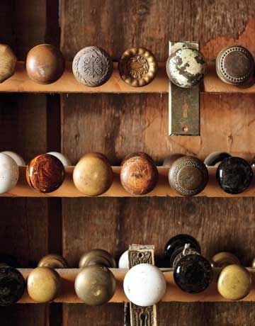 Salvaged doorknobs. Love it.