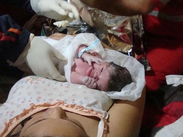 cabeleireira ajudou amiga a ter a filha em Lençóis Paulista (Foto: Ananda De Veza/Divulgação)